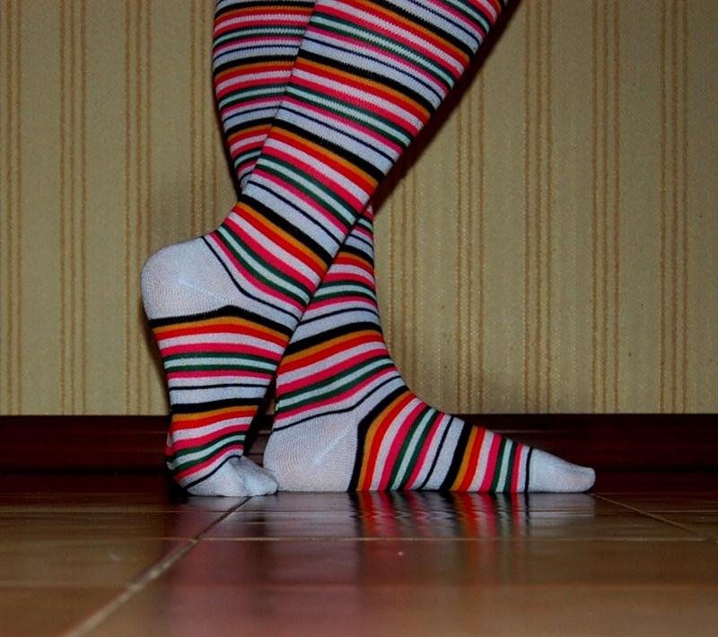 Полосатые носки телка видео смысл