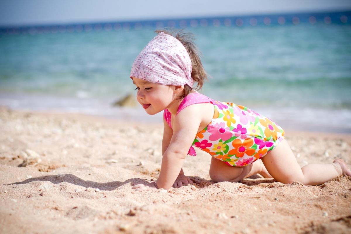 Яндекс картинки с детьми, зимними домиками
