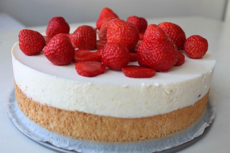 йогуртовый торт клубничный рецепт с фото артиста