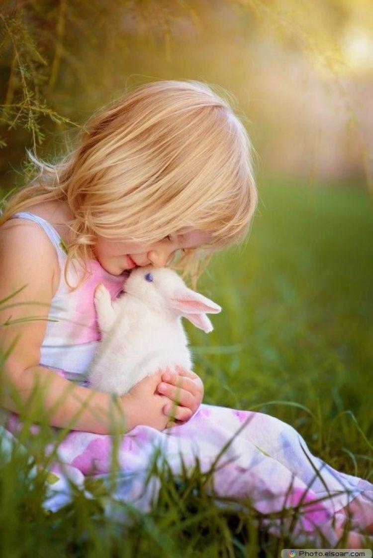 Девочка с кроликами картинки