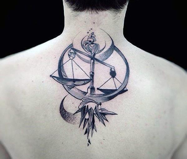 татуировки со знаком весы