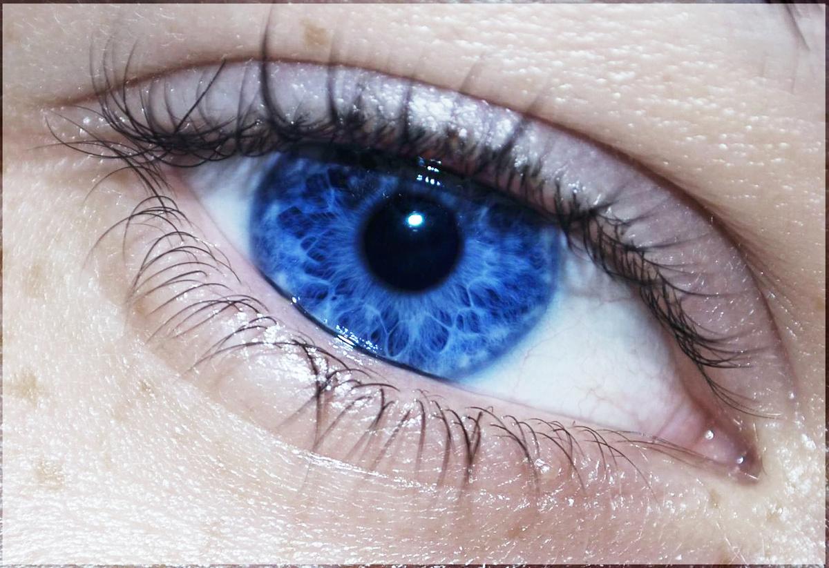 синий цвет глаз картинки аду женщин больше