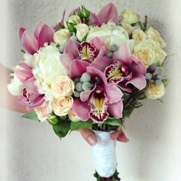 Свадебный букет из дикие орхидеи и розы, доставкой заказ