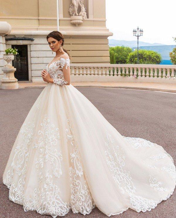 Модные свадебные платья 2017-2018 года  фото, новинки, тенденции. Лучшие  стили a2b20bc0418