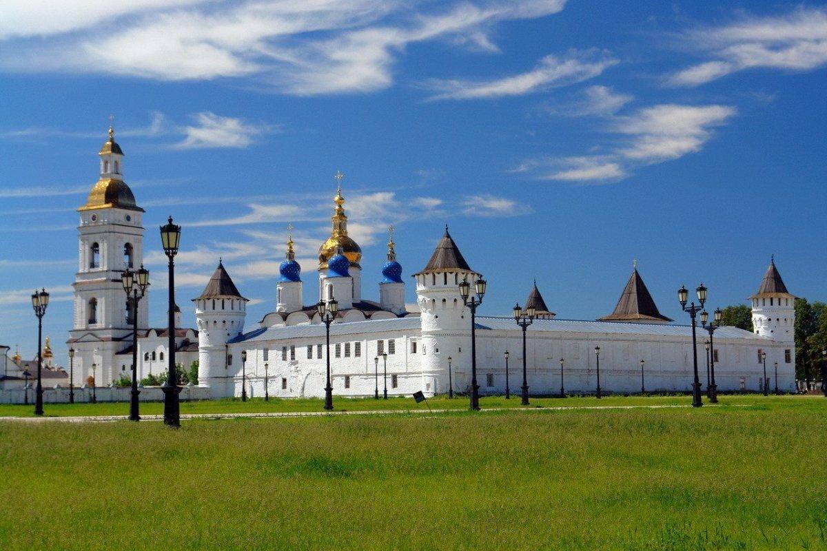 садится, фото тобольского кремля известность