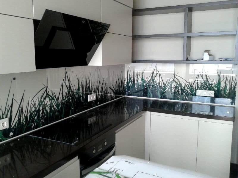 первой картинка для рабочей стенки на кухню надоел старый кухонный