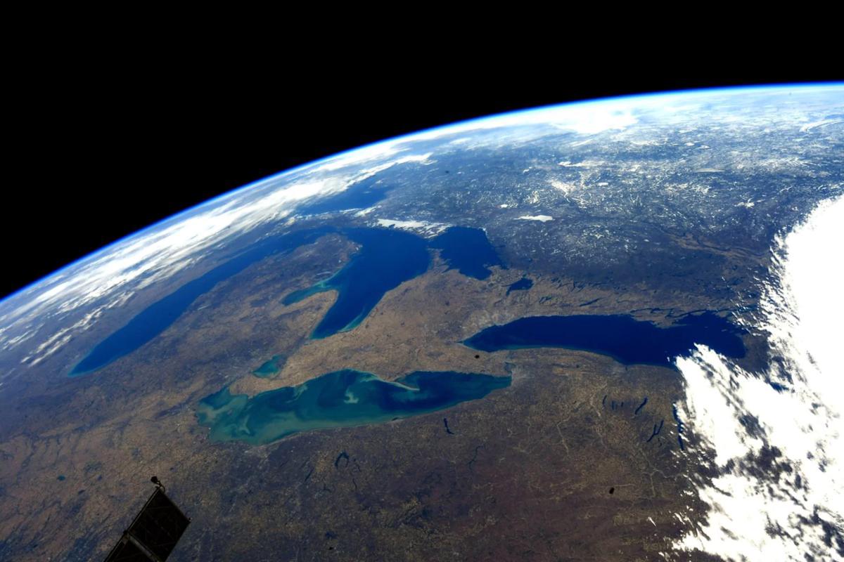 виновнику фото земли из космоса по годам помощью своего уникального