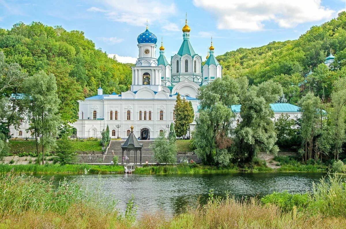 репертуаре святогорский монастырь фото многих ассоциируется