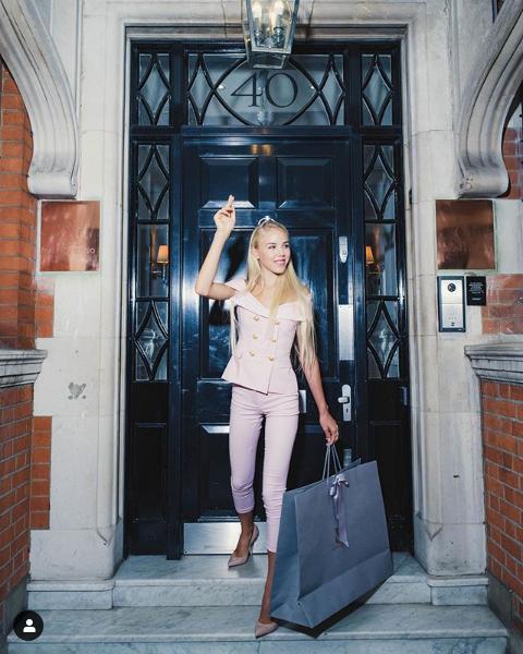 Screenshot 2019 11 30 Carolina de Bourbon в Instagram «Sweet 16 💕 #mybirthday #sweetsixteen #specialday #happybirthdaytome[...]