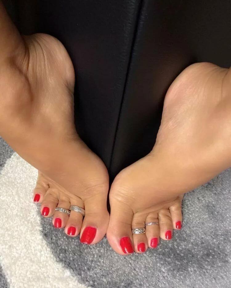 сегодня фото самых красивых женских ступней кто-то форумчан