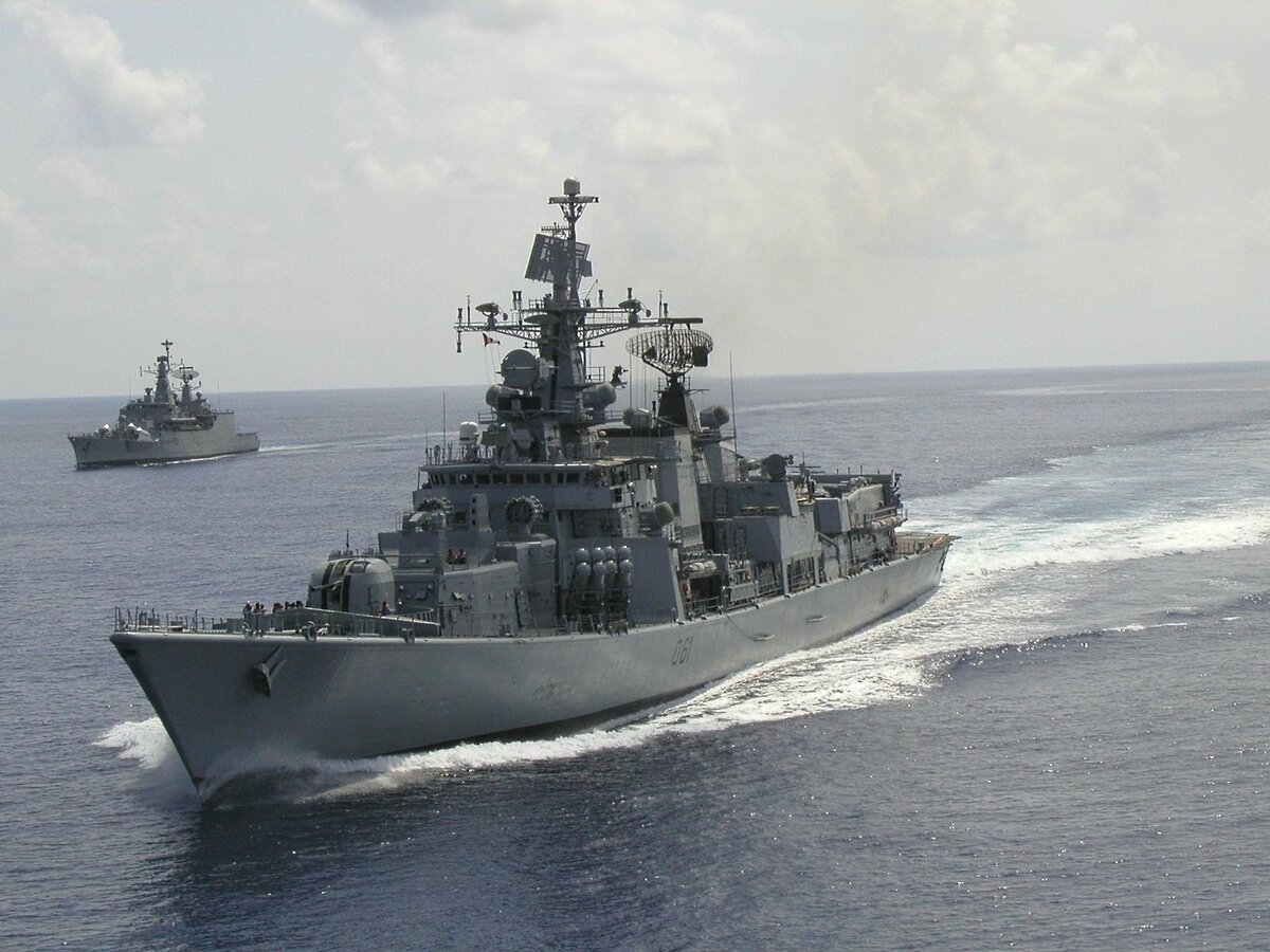 картинка классный военный корабль цепочку воздушных