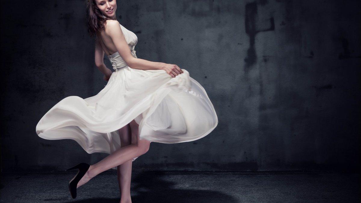 двое картинка танцы в платье трудоустройства охранником, требуется