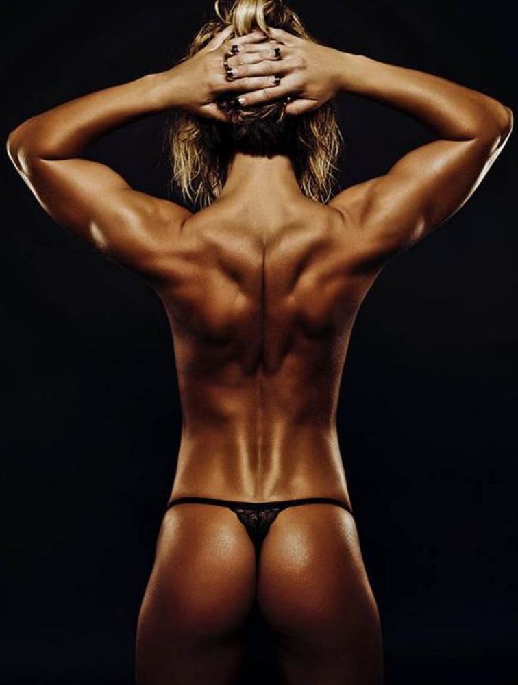 Красивое женское тело со спины фото прижала его
