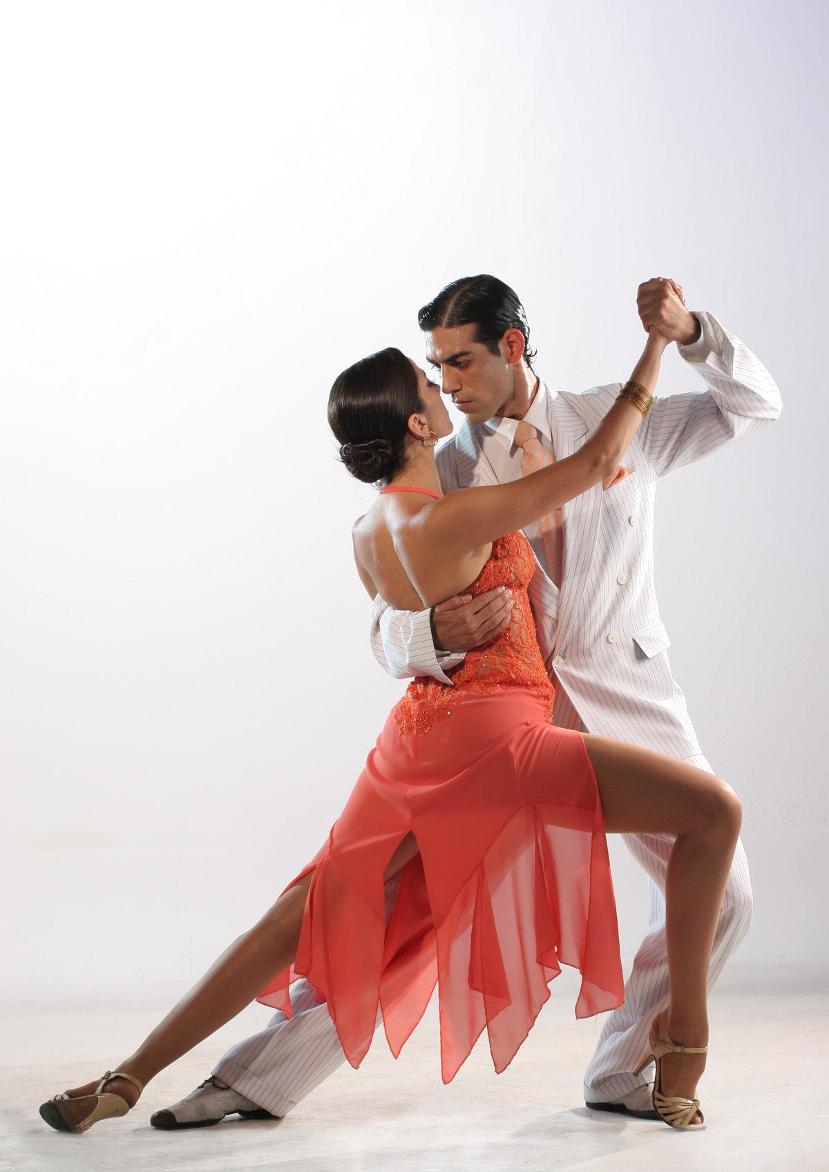 Пара в танце картинка