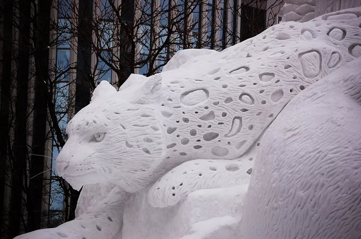 снежные фигуры из снега фото