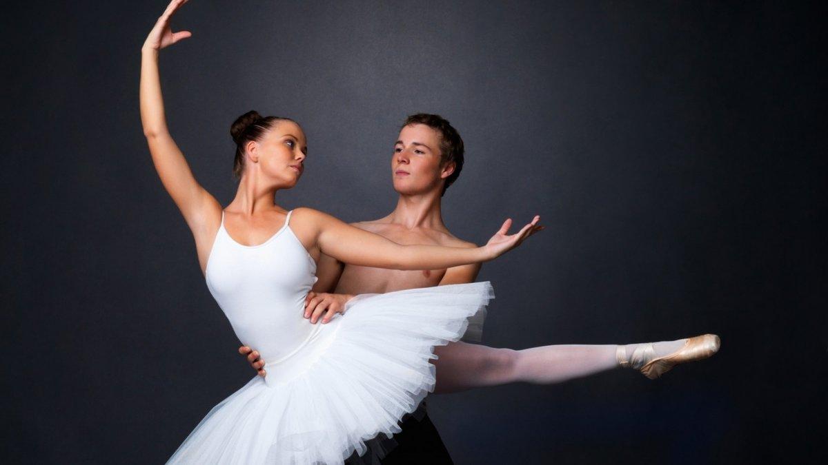 balerina-i-muzhik-chastnoe-porno-foto-pohotlivie-zheni-onlayn