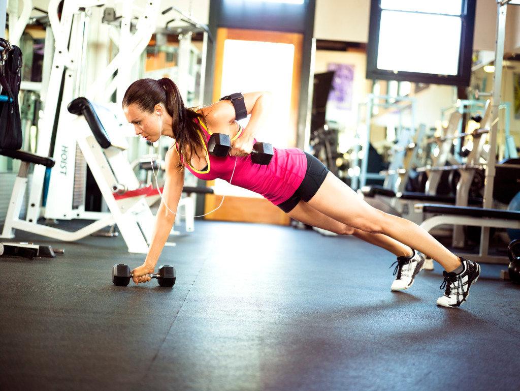 она в спортзале фото девушки женщины мечтают