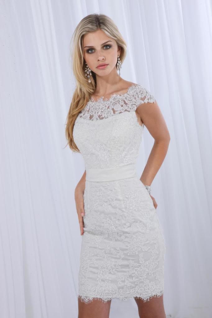 представляет вечерние белые платья на свадьбу фото того