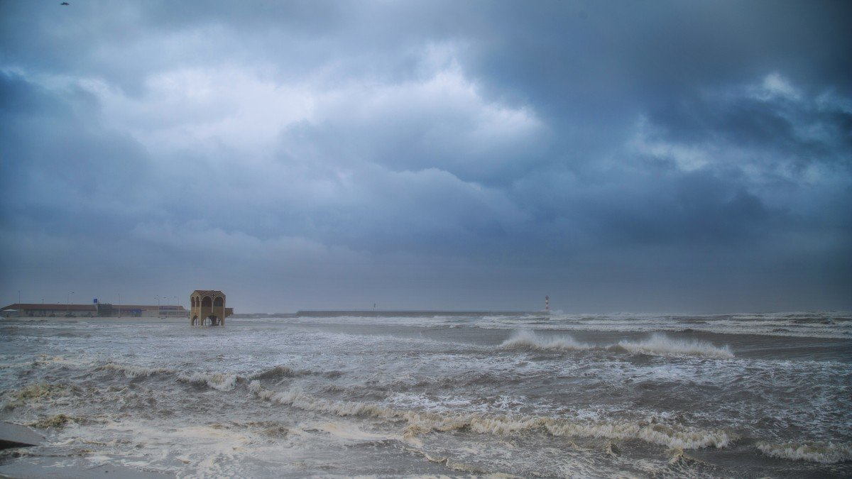 картинки плохая погода в море славится своими природными