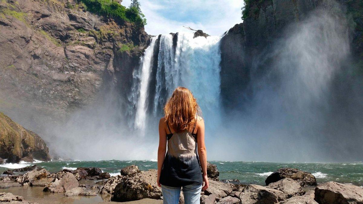 Картинки водопадов с девушками