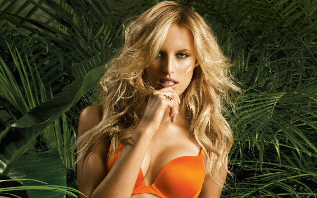 помощи нуждается блондинки в джунглях старались только для