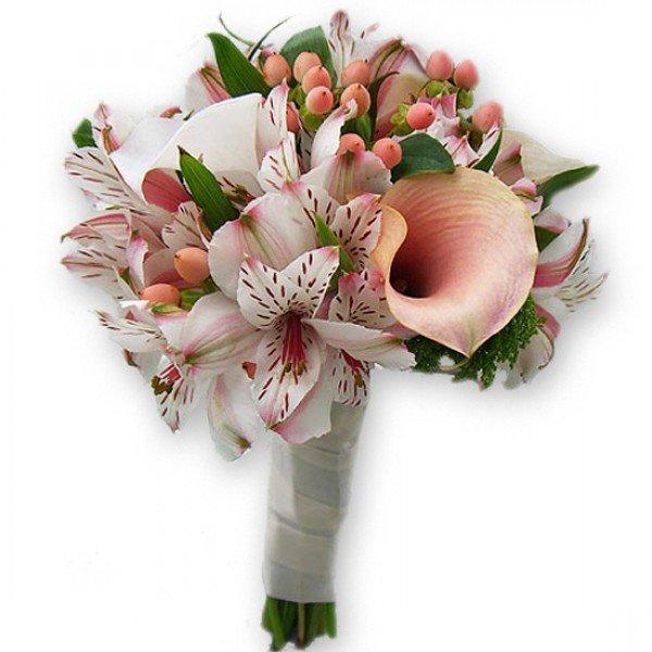 Букеты с лилиями и альстромериями