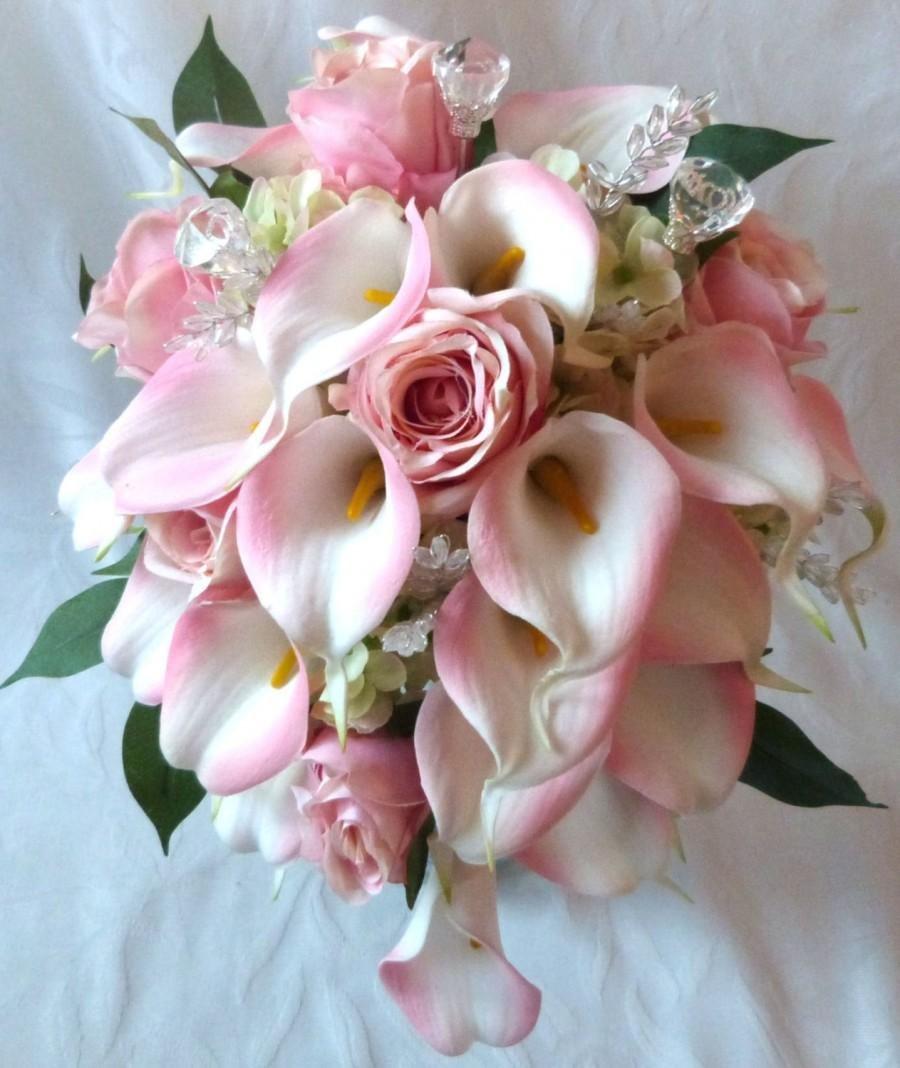 Красивый, букет невесты розовые каллы