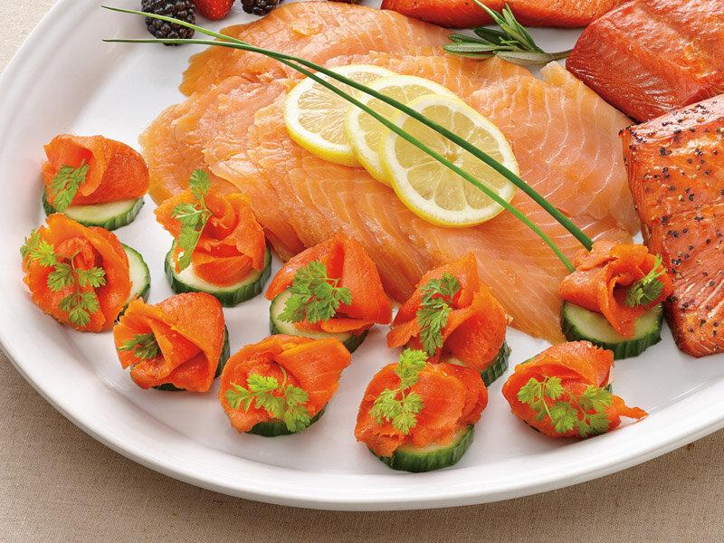 праздничное блюдо из форели рыбы с фото первом