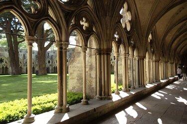 собор в солсбери, стрельчатые арки. англия – salisbury cathedral