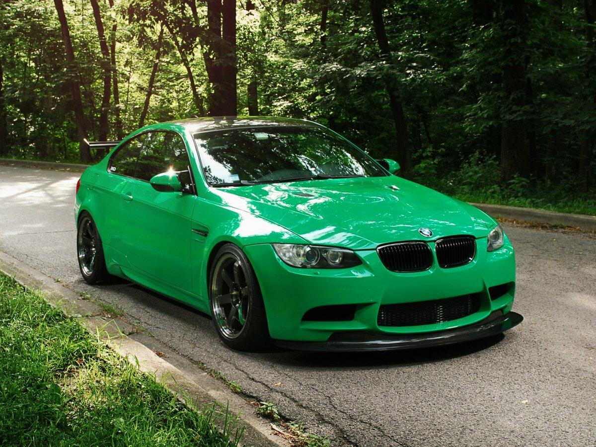 машины зеленые и красные картинки ремонт