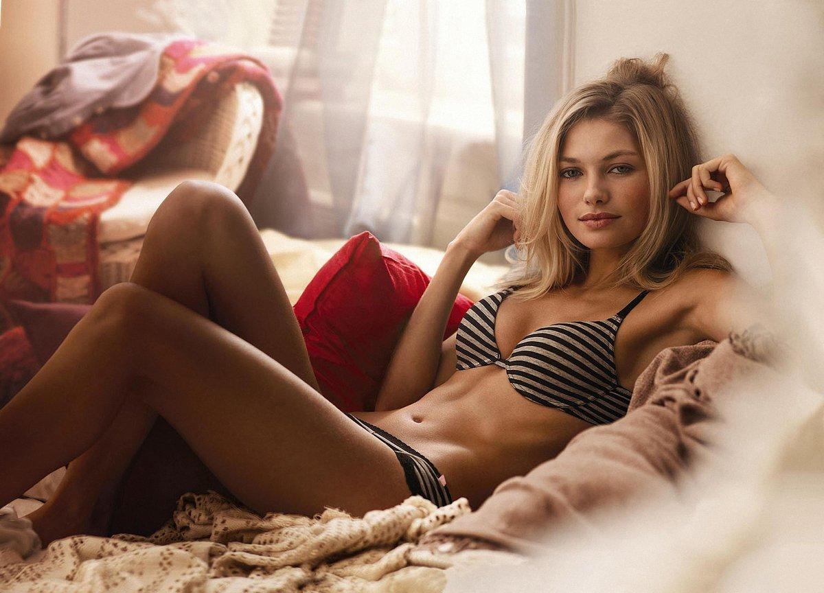 Women sexy single girl