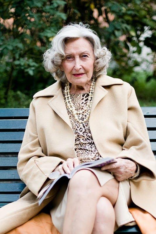 Хорошо картинки пожилой леди обворожительными