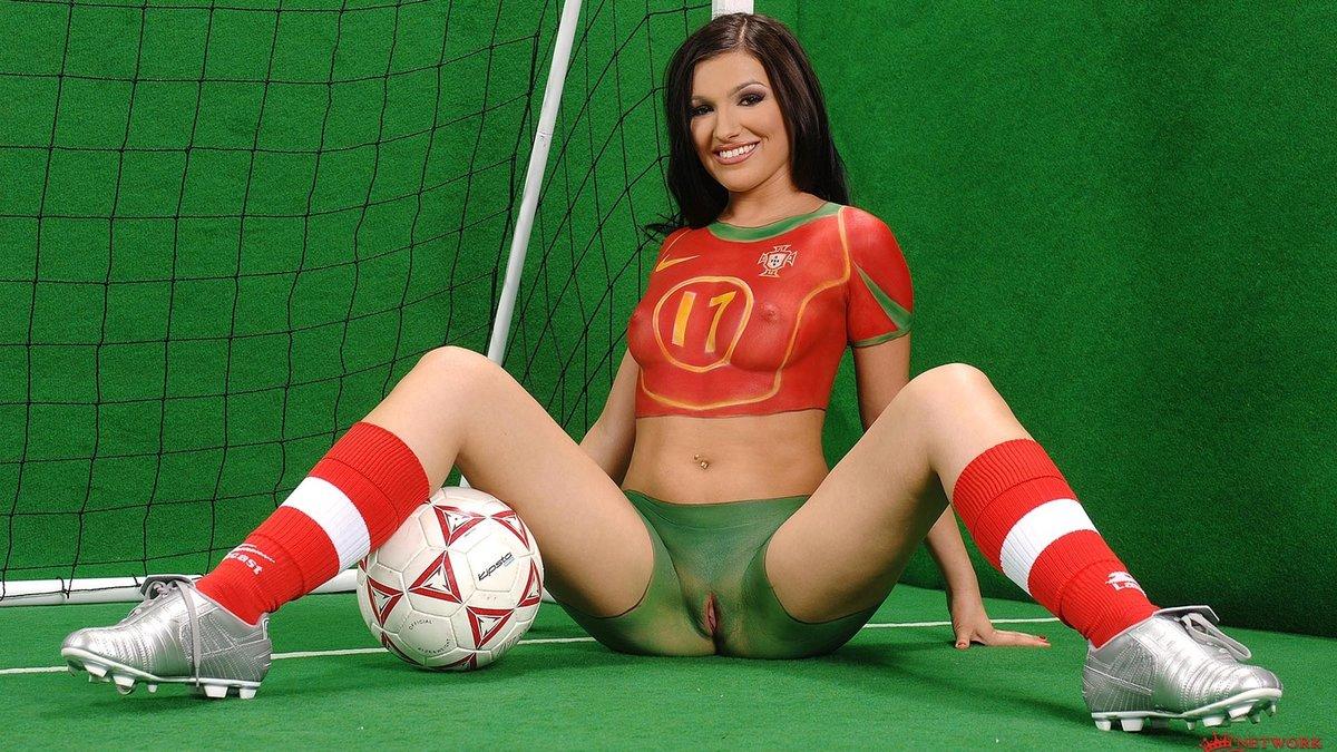 эро болельщицы футбола - 3