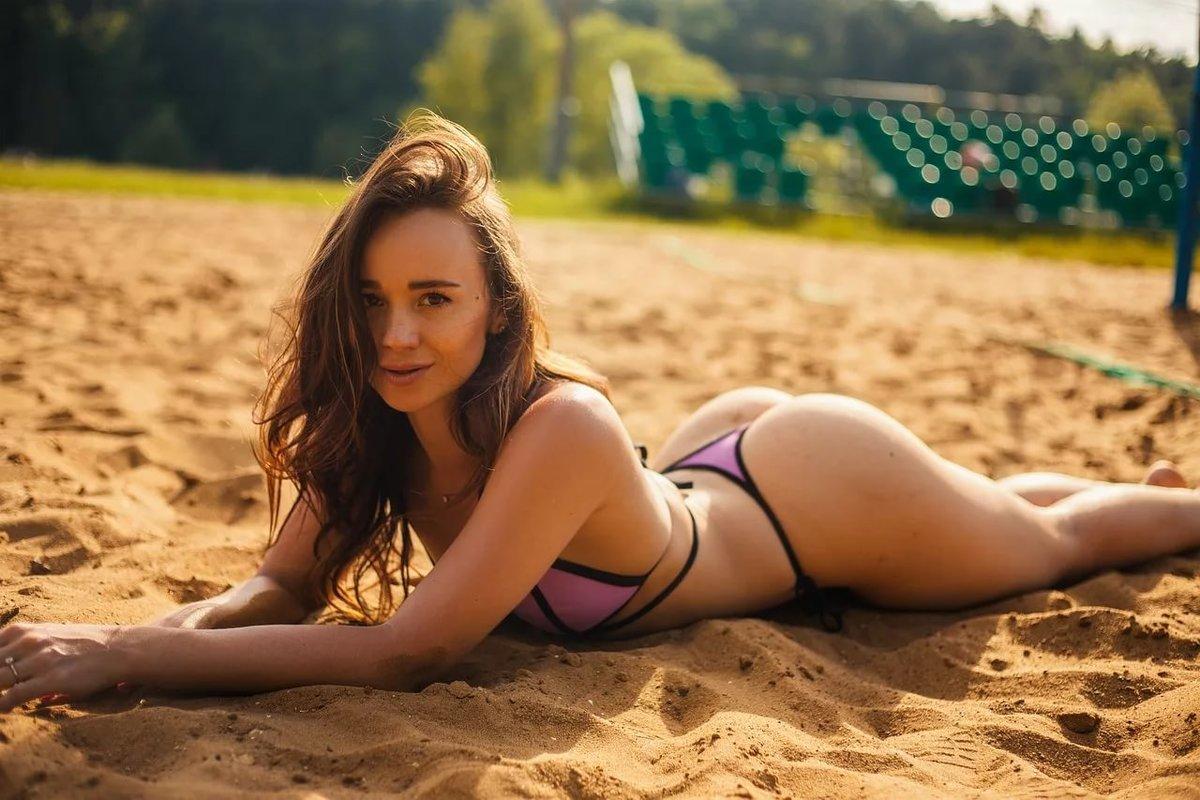 Фото на пляжах девушек