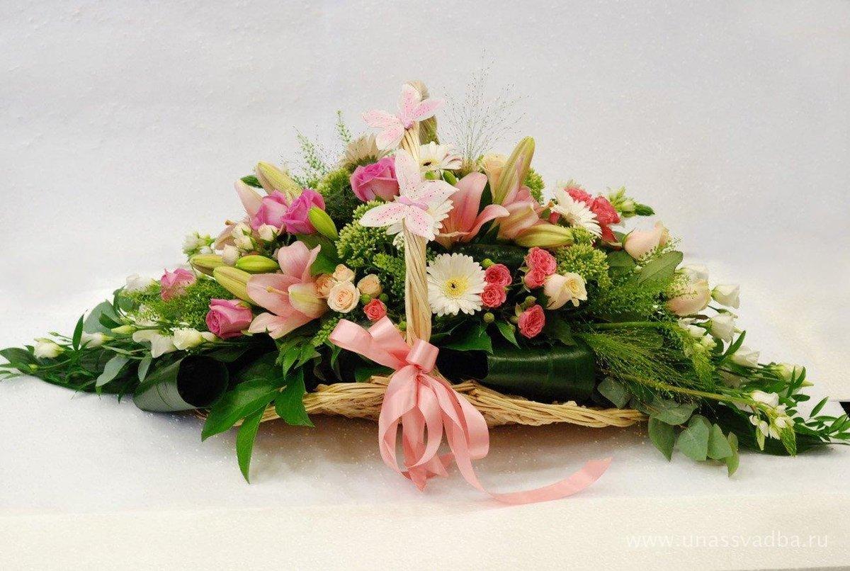 фото готовых букетов из живых цветов известна только