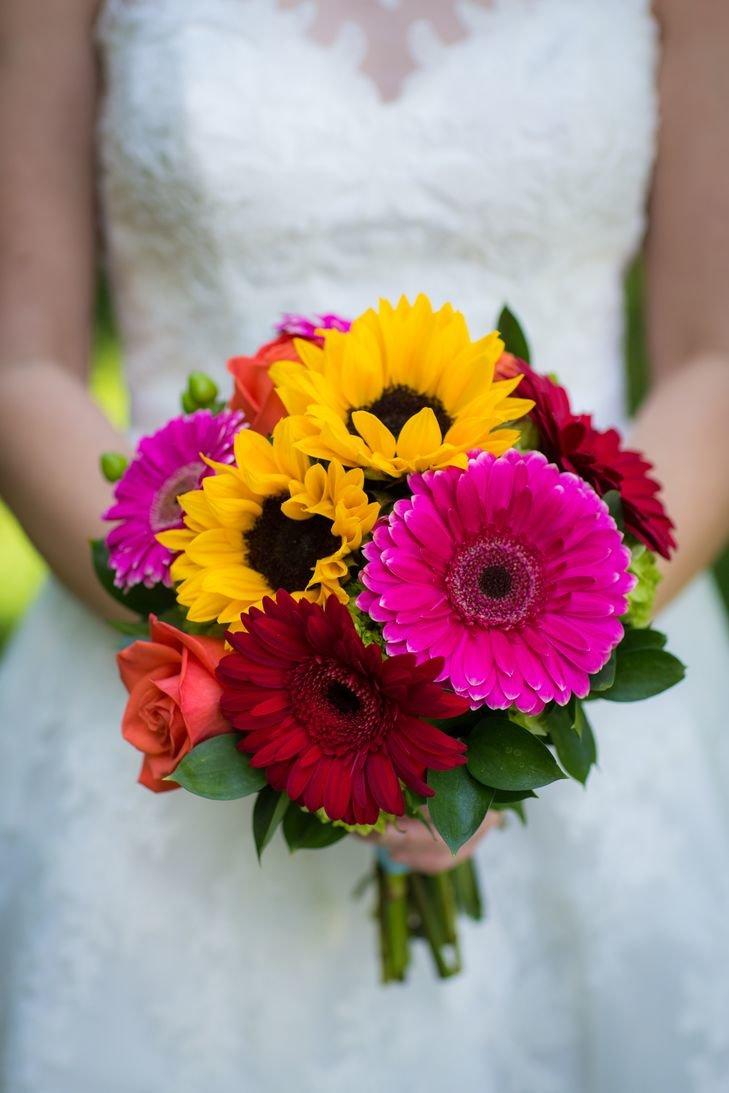Букет колокольчики, букет невесты разноцветные герберы фото