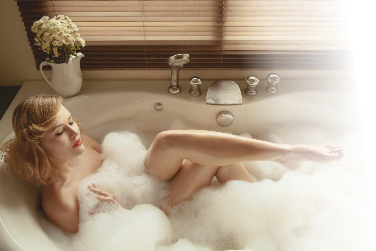 Фотографии девушек в ванне полуголых