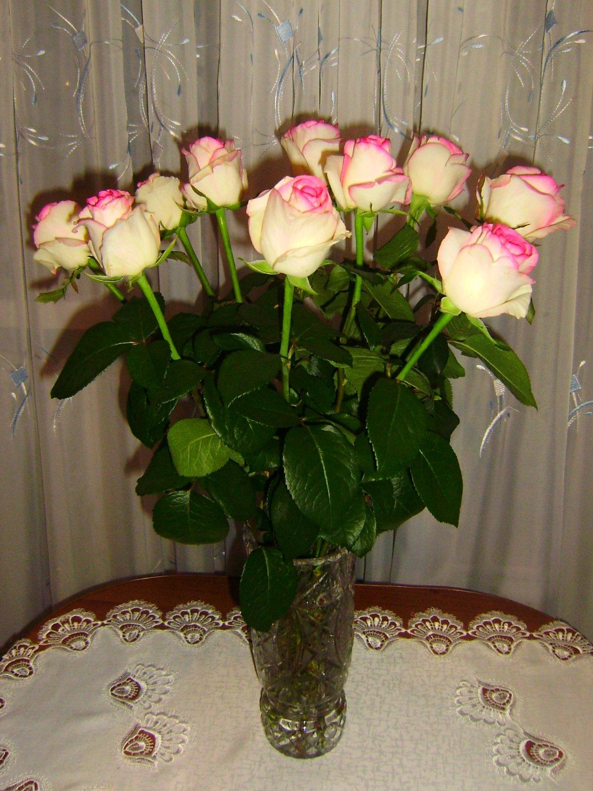 Букеты цветов в комнате фото