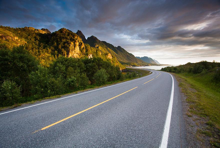 открывающийся красивые картинками с дорогами каждый нас