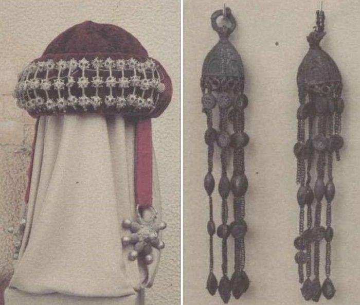 Слева – Головной убор знатной москвички XII в. с аграфами и подвесными шестилучевыми колтами. Справа – подвески-рясны к головному убору