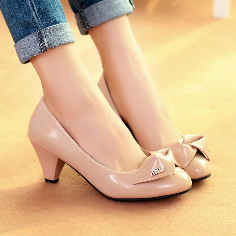 74e72b213 ... Красивые туфли (81 фото): самые красивые женские туфли в мир