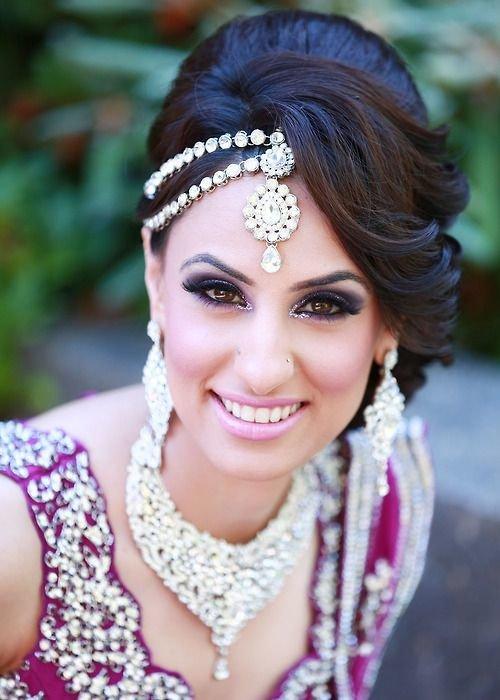 одеждой индийские фото волосами еще