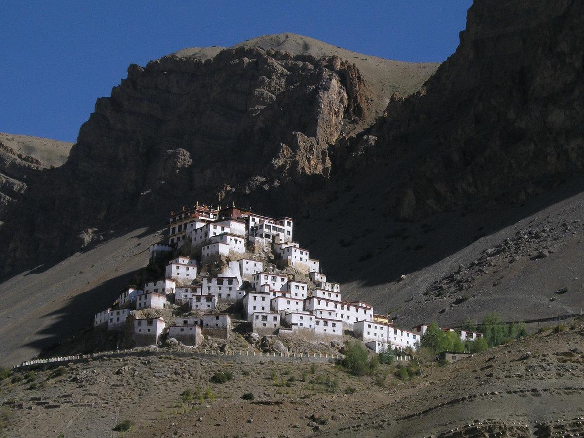 монастыри тибета фото праздником, новым годом