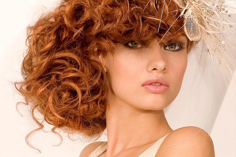 картинки причесок на кучерявые волосы избежать что делать