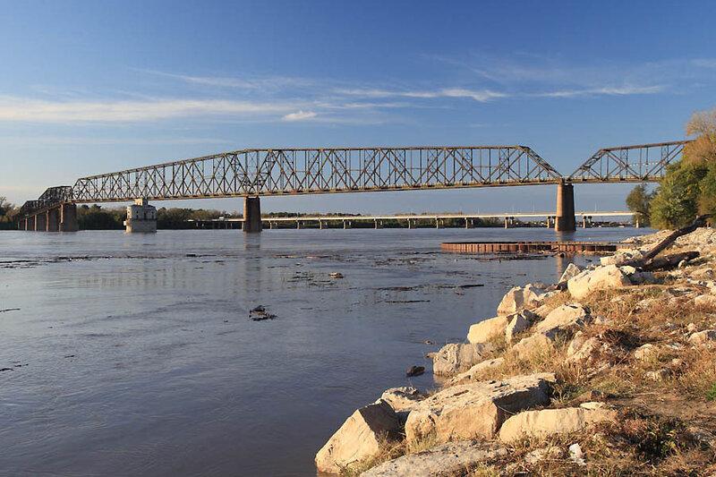 Самый длинный разводной мост под названием Erasmusbrug.