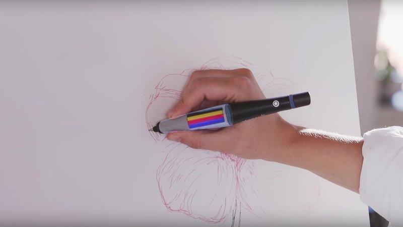 """Компания Scribble объявила о выходе """"умной"""" ручкиScribble Pen, которая способна отсканировать любой цвет с любого предмета и начать немедленно писать черн"""