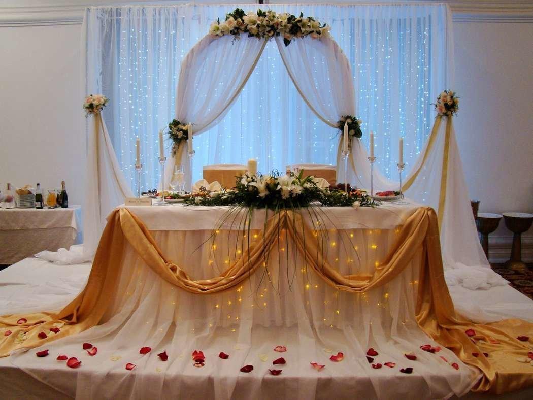 украшение свадебного стола жениха и невесты фото вешалки прихожую