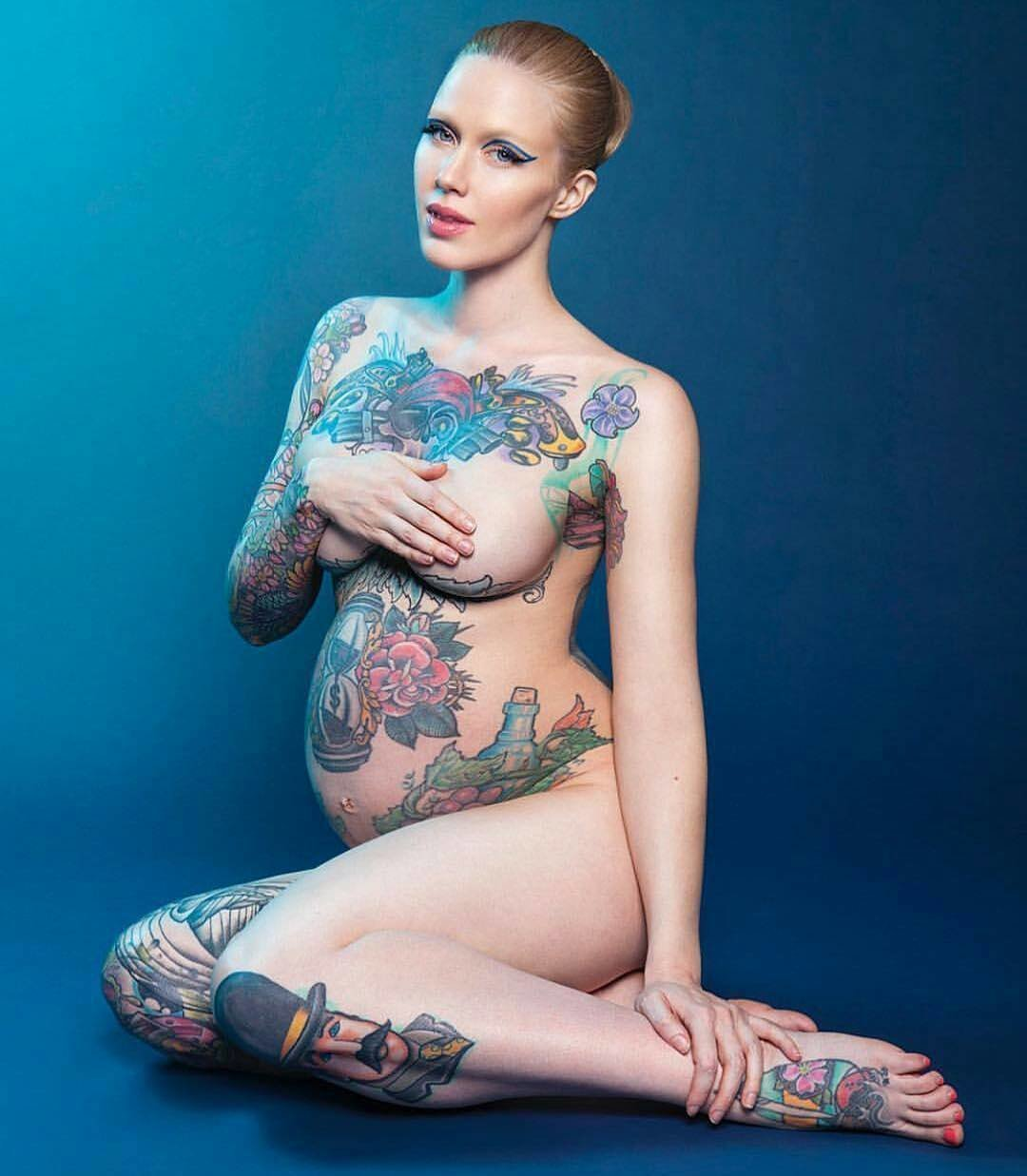Hot sexy naked lesbian boobs