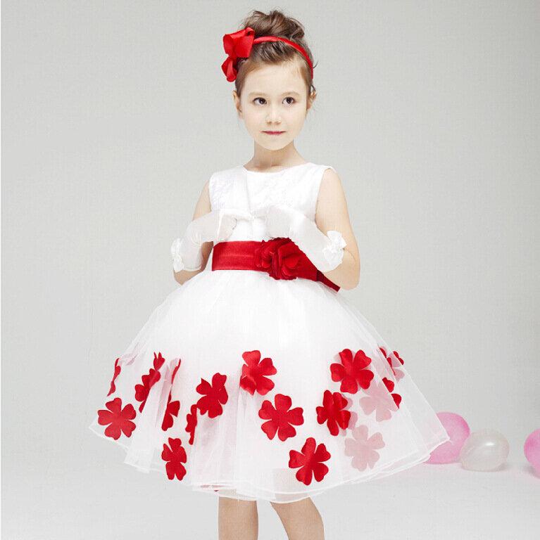 Цветочное платье с бантиком для маленькой девочки