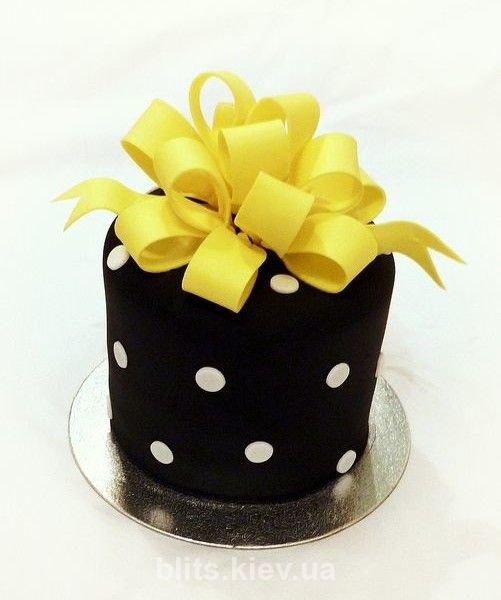 торт на девичник желтый